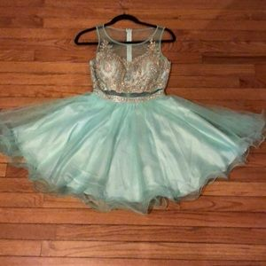 Homecoming / cocktail dress
